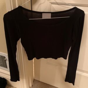 Cropped black long-sleeve shirt